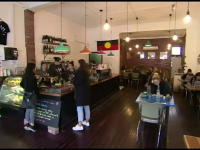 Cafeneaua unde bărbații sunt obligați să plătească o taxă suplimentară