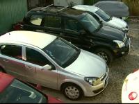 S-au trezit cu avarii pe care nu le-au comis și facturi de sute de euro