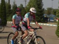 Primele biciclete speciale pentru copiii nevăzători care visează să devină campioni la ciclism