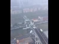 Imagini surprinse din elicopter după tragedia din Genova. Bucăți din pod, căzute peste blocuri. VIDEO