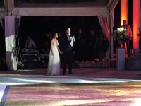 Invitații de la nunta fiului lui Dragnea, întâmpinați de protestatari. Imagini de la petrecere