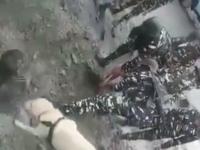 Momentul în care un bărbat îngropat de viu este salvat de o cățelușă