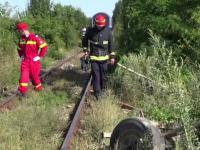 Căruţă lovită de tren, într-un sat din Bacău. Doar caii au scăpat nevătămaţi