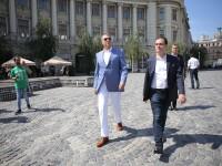 Iohannis, în Piaţa Universităţii, la lansarea campaniei de strângere de semnături
