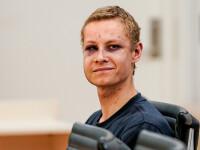 Atacatorul din Oslo a apărut la tribunal cu ochii vineți și zgârieturi pe faţă. FOTO
