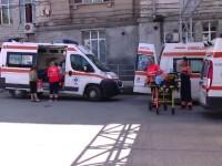 Unui bărbat din Iași i-a explodat butelia în față. Și vecinul său a fost rănit