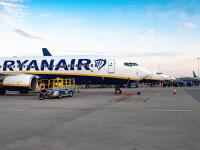 Zeci de pasageri abandonați pe aeroport, după ce au fost închiși pe scara de îmbarcare