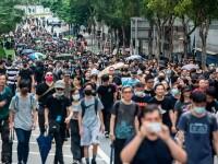 Mii de profesori, în stradă la Hong Kong. Armata chineză poate interveni oricând