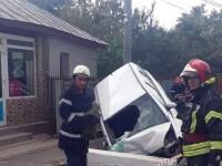 Șoferiță la spital după ce s-a oprit cu mașina într-un cap de pod, în Teleorman