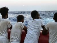 Imagini dramatice. Mai mulți migranți ajunși la disperare se aruncă în mare. VIDEO