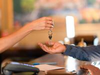 Guvernul vrea să plătească prima noapte de cazare pentru turiștii străini