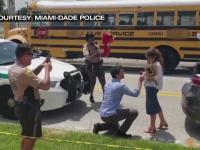 A apelat la poliție pentru a-și cere iubita în căsătorie. Reacția tinerei