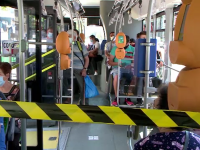 Conflict în Iași, cu zeci de călători care nu au avut loc pe scaune în autobuze