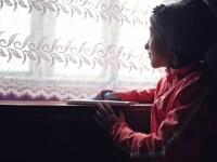 Zeci de mii de copii nevoiași din România vor începe școala fără tabletele promise de Guvern