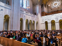 Un credincios bolnav de Covid-19, care a mers la biserică, a infectat 91 de oameni