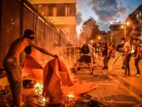 Reuters: Liderii din Liban, avertizați în urmă cu o lună de azotatul de amoniu depozitat în Beirut