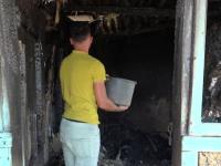 Un bărbat din Vaslui a murit într-un incendiu. Ar fi adormit cu țigara aprinsă în mână