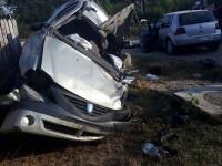 Un mort și 3 răniți, după un accident provocat de o șoferiță de 19 ani. Tânăra nu avea permis