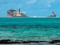 Dezastru în una dintre cele mai apreciate destinații din lume: o navă cu mii de tone de benzină s-a rupt în două