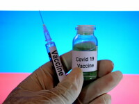 Americanii ar putea aproba vaccinarea populației înainte să încheie testarea serului. Ce spun experții