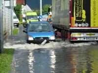 Ploile au făcut ravagii în Maramureș. Mai multe străzi din Baia Mare au fost inundate