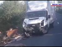 Accident grav pe DN1A. O camionetă a izbit în plin o căruță și o mașină