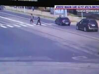 O femeie a fost lovită de o mașină în timp ce traversa regulamentar, în Iași