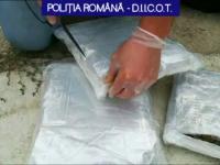Percheziții la o grupare de trafic de droguri din Dâmbovița. Ce aduceau tinerii din Spania