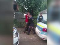 Bărbat din Botoșani, arestat după ce a vrut să își lovească soția și i-a amenințat pe polițiști cu o cazma