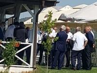 FOTO: Liderii PSD Vrancea au urmărit congresul dintr-un local pescăresc, fără măști