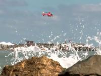 """Operațiuni dramatice de salvare pe litoral, o familie întreagă luată de ape. """"Oamenii sunt inconștienți"""""""