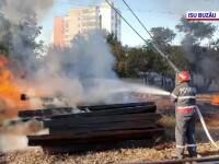 Incendiu în Gara Buzău, din cauza unei țigări aruncate la întâmplare