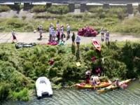 Valea Oltului, curățată de gunoaie de zeci de voluntari. \