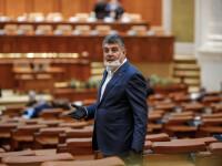 Parlamentul a adoptat rectificarea bugetară, cu majorarea pensiilor și bani pentru profesori. Ce pericole există