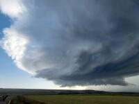 Vremea azi, 5 august. Zăpușeală și apoi furtuni, peste tot în țară. Cum va fi pe litoral