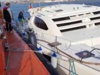 Incident în Eforie, din cauza unei furtuni puternice. Un catamaran s-a lovit de stabilopozi