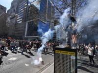 Proteste violente în Australia față de restricțiile Covid-19. Poliția a folosit spray-uri