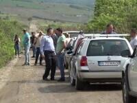 Sătui de promisiuni, zeci de oameni din Vaslui, au ieșit la protest, nemulțumiți de starea în care se află drumul județean