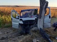 Cinci persoane au ajuns la spital, după ce mașina în care se aflau a intrat într-un copac, în Slatina