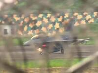 Incident aviatic în Taiwan. Un avion F16 a derapat pe pista udă și s-a oprit cu botul în iarbă