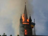 Au dat foc la vreascuri sa curete cimitirul, dar au incendiat o biserica