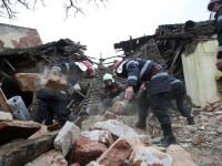 Jandarmul ranit in explozia de la Timisoara si barbatul din casa au murit