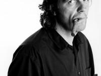 Emir Kusturica, creatorul stilului gypsy-punk, concerteaaza in aceasta seara la Peninsula