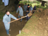 Muncitorul ingropat de un mal de pamant in judetul Giurgiu, salvat