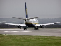 Accident pe Aeroportul Henri Coanda! Un avion a lovit un stalp