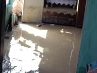 Alunecari de teren din cauza inundatiilor! DN 67 D a fost blocat
