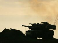 In vremuri de pace, masini lovite de un tanc pe un pod din Constanta