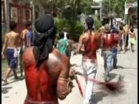 VIDEO SOCANT. Se crucifica si se autoflageleaza in numele credintei