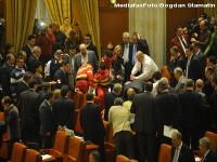IMAGINI VIDEO inedite de la incidentul din Parlament!Reactia politicienilor
