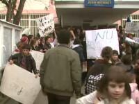 Protest la Jean Monnet, dupa demiterea conducerii. Profesoara: